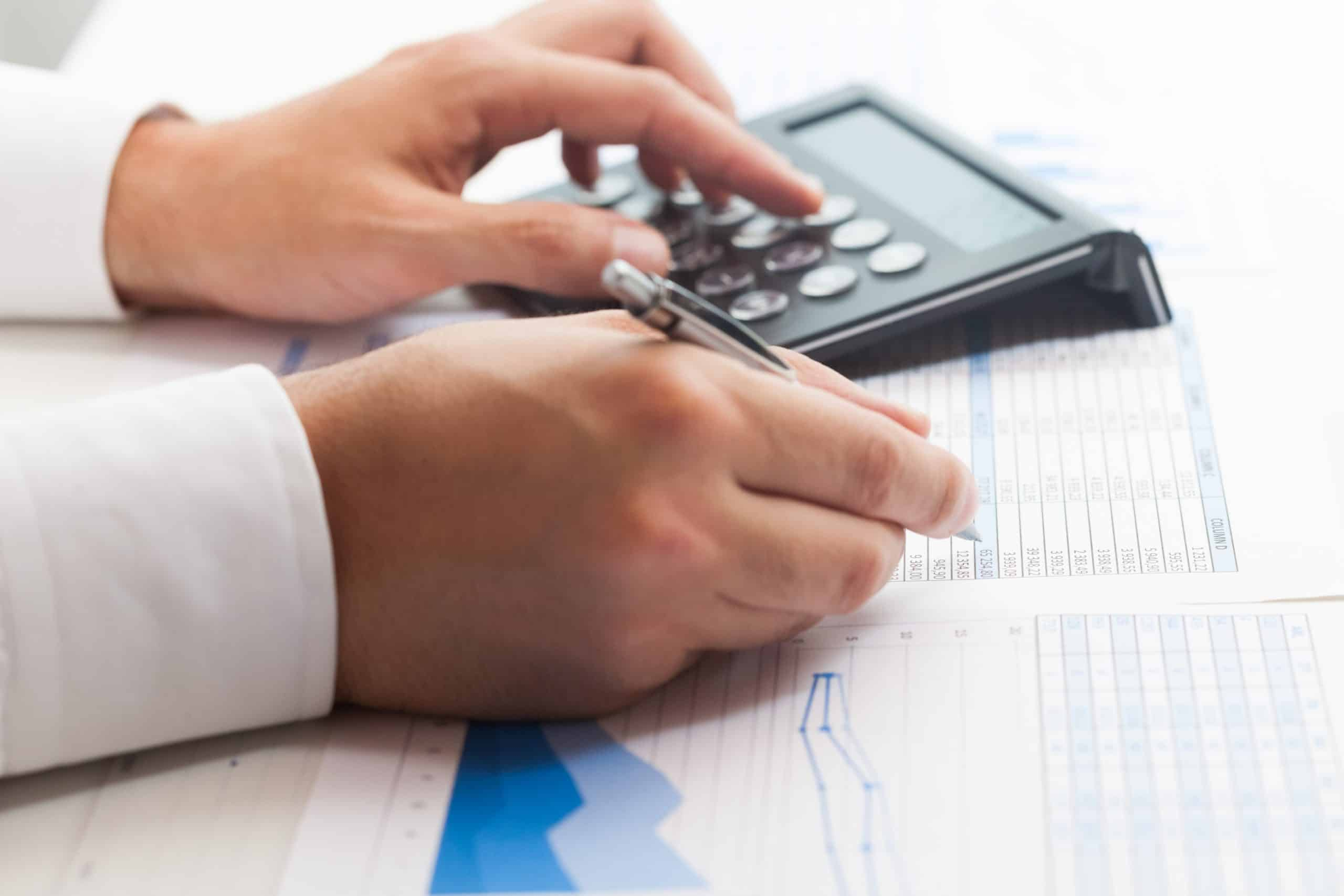 Dokumente-Zollgebühren-&-Steuern